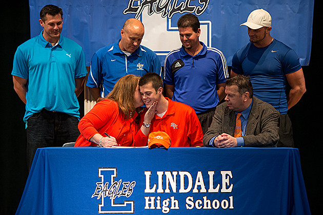 Lindale Signing Day