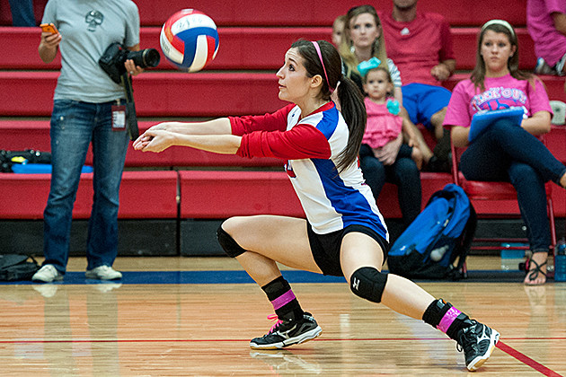 Bullard's Mallory McCoy digs the ball during a Sept. 24 home victory against Chapel Hill. (Christopher Vinn, ETSN.fm)