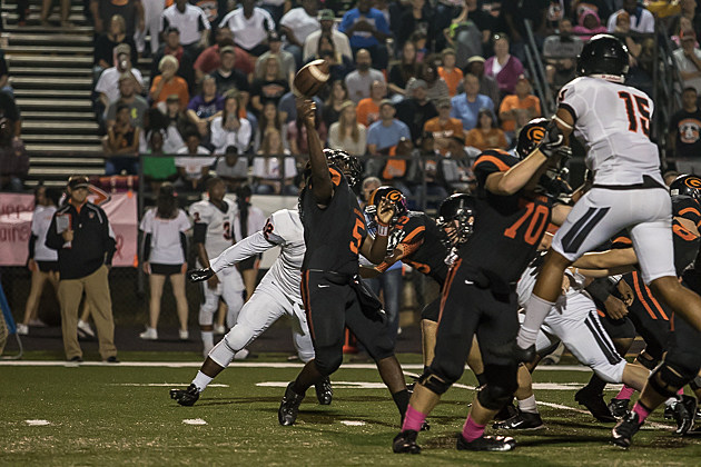 """Gilmer quarterback Aaron """"Poppy"""" Brown was voted MVP of District 7-4A Division II by the league's coaches. (Ruel Felipe, ETSN.fm)"""