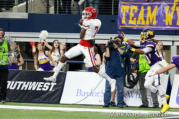 Carthage Dewaylon Ingram catches a pass on forth and sixteen, for a touchdown.