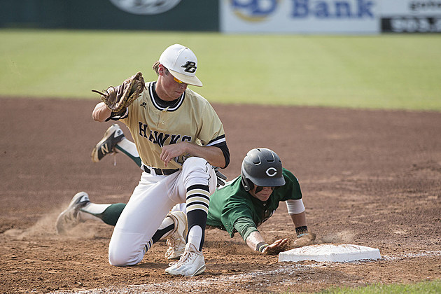 Canton's Hunter Moore gets back safely on a pickoff attempt from Pleasant Grove's Caleb Bolden to Will Hlavinka. (ETSN.fm)