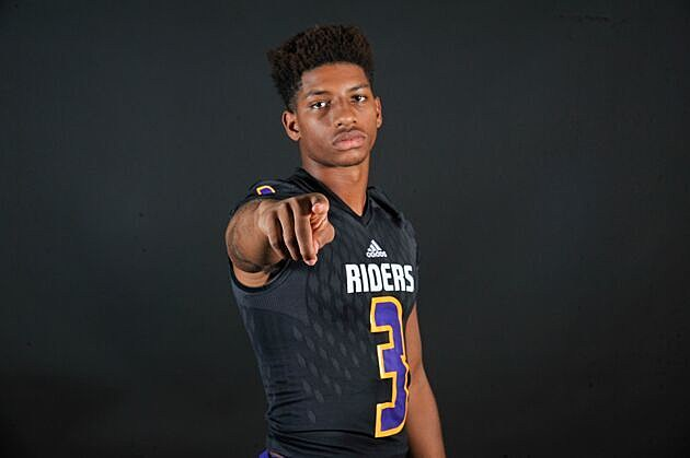 Center 2018 WR JaTerious Evans announced his commitment to Stephen F. Austin on Tuesday evening. (© Rob Graham, ETSN.fm)